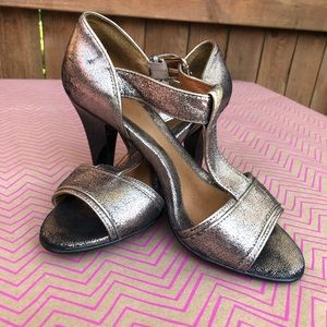 NWT: Sofft Wedge Pewter Sandal with Buckle